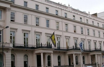 Belgrave Square SW1 office space – Building External
