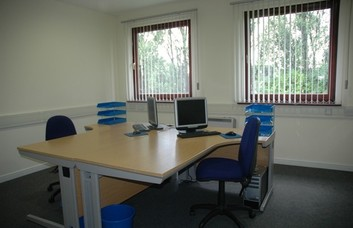 Whins Road FK10 office space – Private Office (different sizes available).