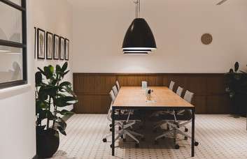 Throgmorton Street EC2 office space – Private Office (different sizes available).