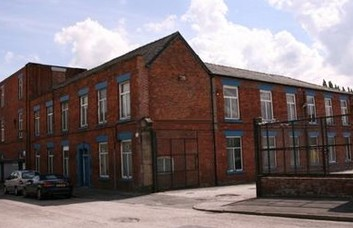 Grosvenor Street OL6 office space – Building External