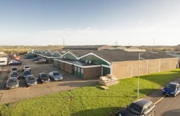 Middlefield Industrial Estate SG19 office space – Building External