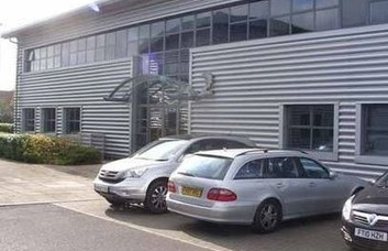 Tritton Road LN1-LN6 office space – Building External