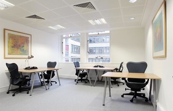 Jermyn Street W1 office space – Private Office (different sizes available)