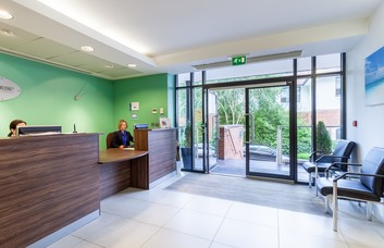 Guildford Road KT22 office space – Reception