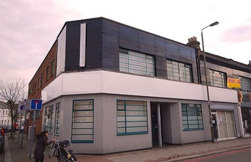 Falcon Road SW2, SW11 office space – Building External