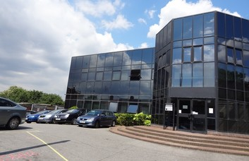 Mitcham Road CR0 office space – Building External