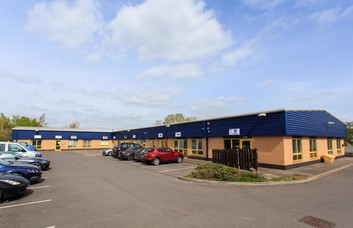 Hampton Park West SN12 office space – Building External