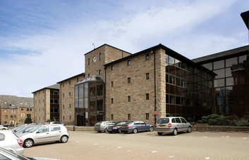 Andersons Road EH1 office space – Building External