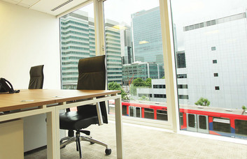 Harbour Exchange Square E14 office space – Private Office (different sizes available)
