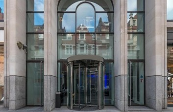 Long Acre WC2 office space – Building External