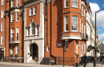 Grosvenor Street W1 office space – Building External