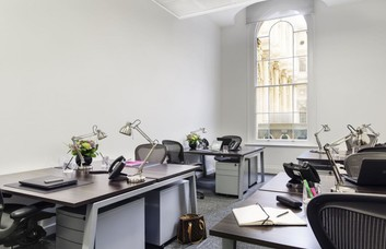Royal Exchange EC2 office space – Private Office (different sizes available)