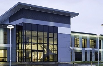 International Avenue office space – Building External