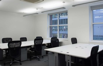 Farringdon Street EC1 office space – Private Office (different sizes available).