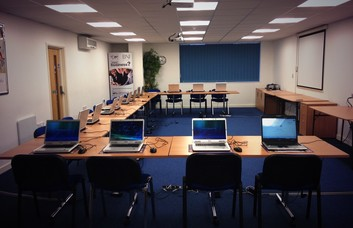 Cardiff Road CF62, CF63 office space – Meeting/Boardroom.