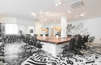 Kingsland Road EC1, EC2 office space – Meeting/Boardroom.