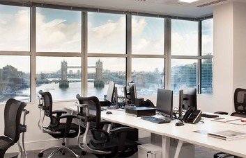 Lower Thames Street EC4 office space – Private Office (different sizes available).