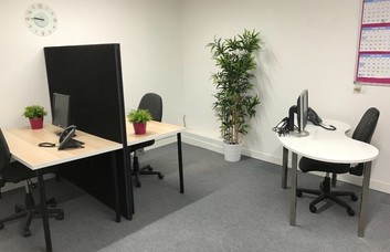 Rockingham Road UB8 office space – Private Office (different sizes available).