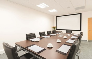 Dashwood Lang Road KT13 office space – Meeting/Boardroom