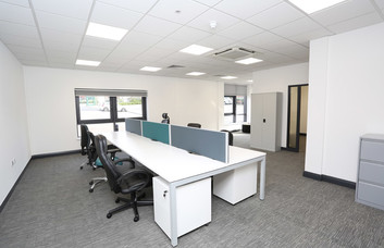 Turnberry Park Road LS1 office space – Private Office (different sizes available).