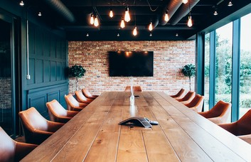 Barnes Wallis Road PO14 - PO17 office space – Meeting/Boardroom.