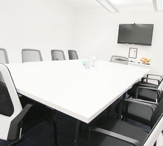 Royal Exchange Avenue EC1 office space – Meeting/Boardroom.
