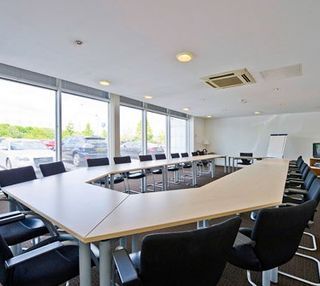 George Curl Way office space – Meeting/Boardroom.