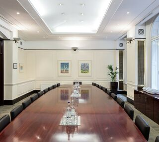 Old Bailey EC4M office space – Meeting/Boardroom.