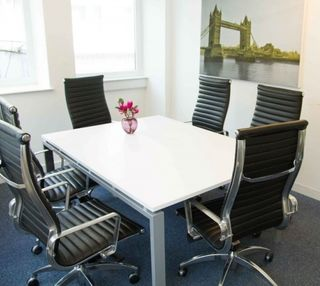 Suffolk Lane EC4 office space – Meeting/Boardroom.