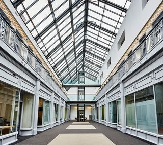 Stamford Street OL6, OL7 office space – Atrium