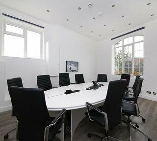 Stanley Gardens W4 office space – Meeting/Boardroom.