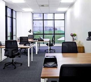 International Avenue office space – Private Office (different sizes available).