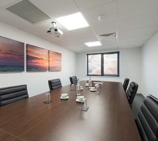 Aviary Court RG21 office space – Meeting/Boardroom.
