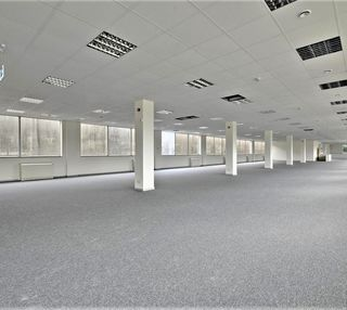 Great West Road TW8 office space – Private Office (different sizes available).