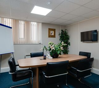 St Mary's Road L19 office space – Meeting/Boardroom.