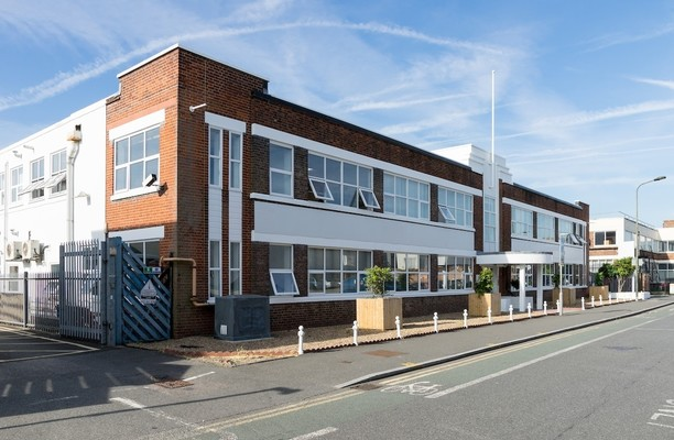 Lombard Road SW19 office space – Building External