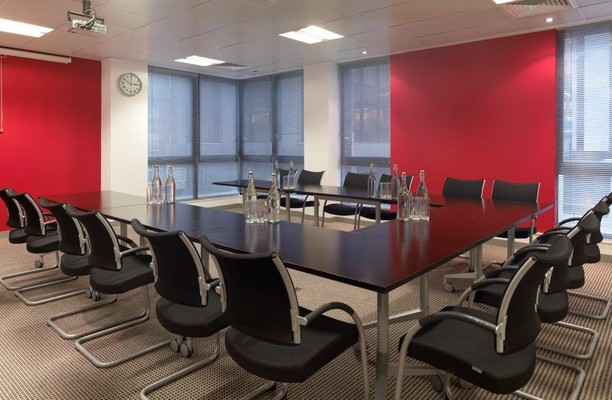 Temple Row B1 office space – Meeting/Boardroom.