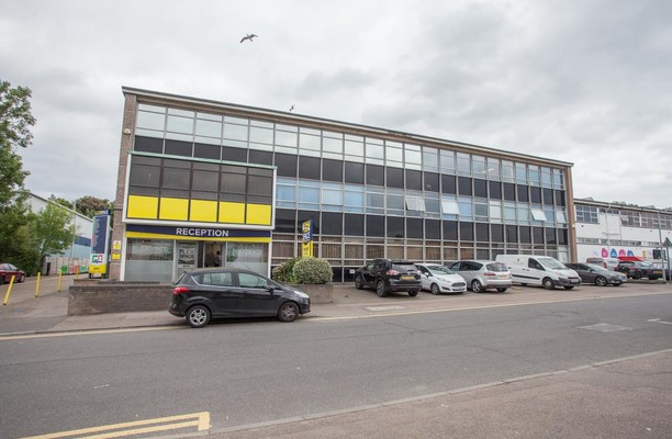 Greenhill  Crescent WD1, WD2 office space – Building External