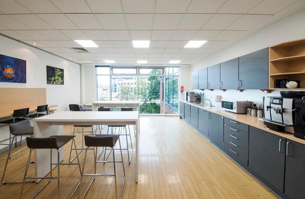 Farnham Road GU1 office space – Kitchen