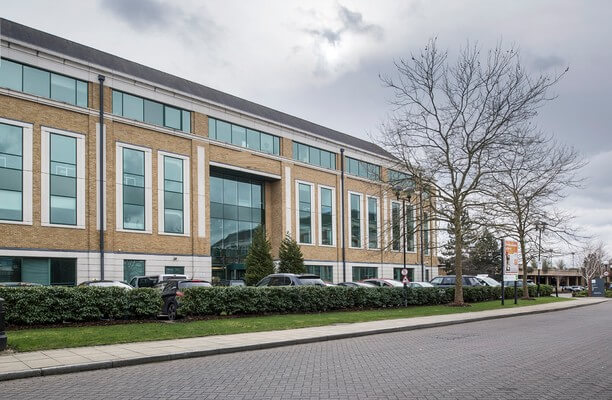 Arlington Square RG12 office space – Building External