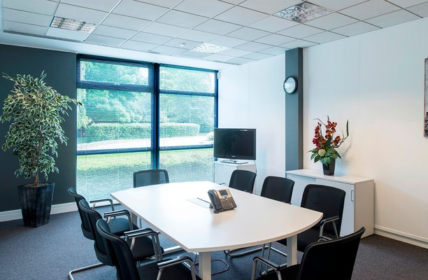 Frimley Road GU1 office space – Meeting/Boardroom.