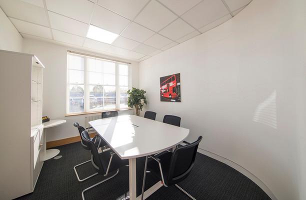 Broadway HP6, HP7 office space – Meeting/Boardroom.