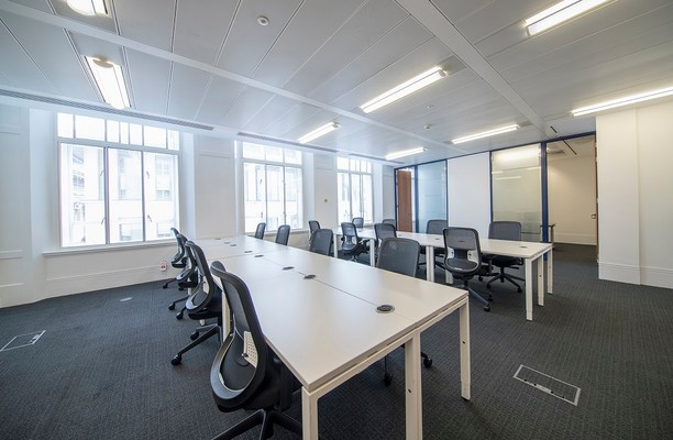 St Martins Le Grand EC1 office space – Private Office (different sizes available).