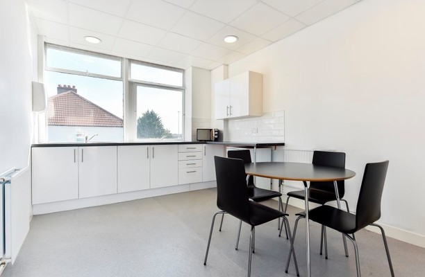 Boston road W7 office space – Kitchen