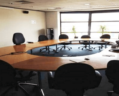 Lower Mortlake Road TW9, DL10 office space – Meeting/Boardroom.