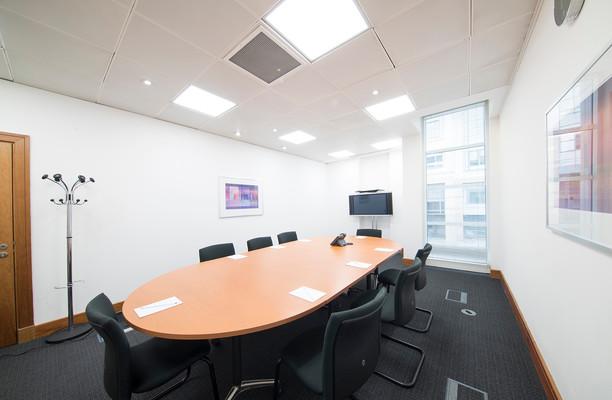 Queen Caroline Street W6 office space – Meeting/Boardroom.
