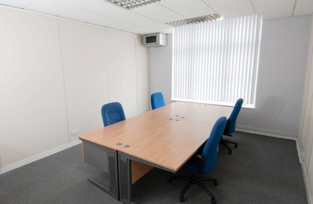 Purley Way CR0 office space – Private Office (different sizes available).