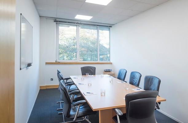 Regent Park KT22 office space – Meeting/Boardroom.