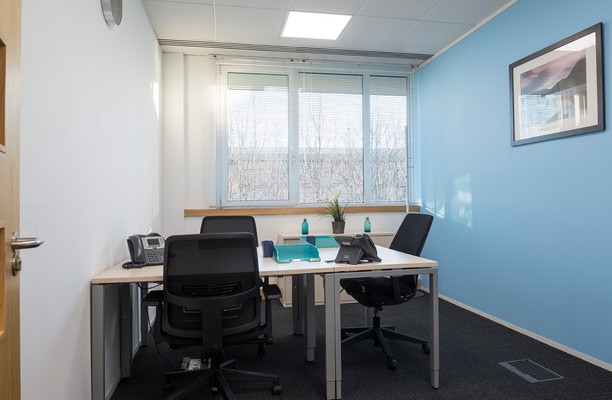 Regent Park KT22 office space – Private Office (different sizes available).