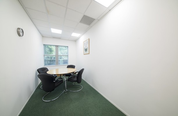 Capability Green LU1 office space – Meeting/Boardroom.